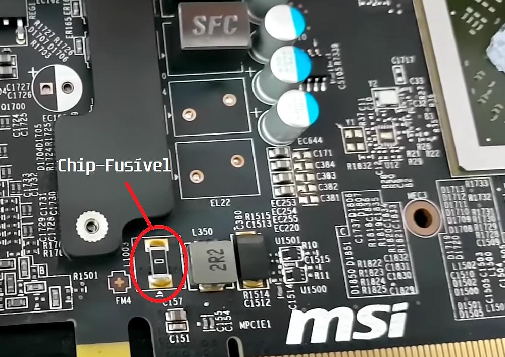 Chip-Fusível numa placa de vídeo