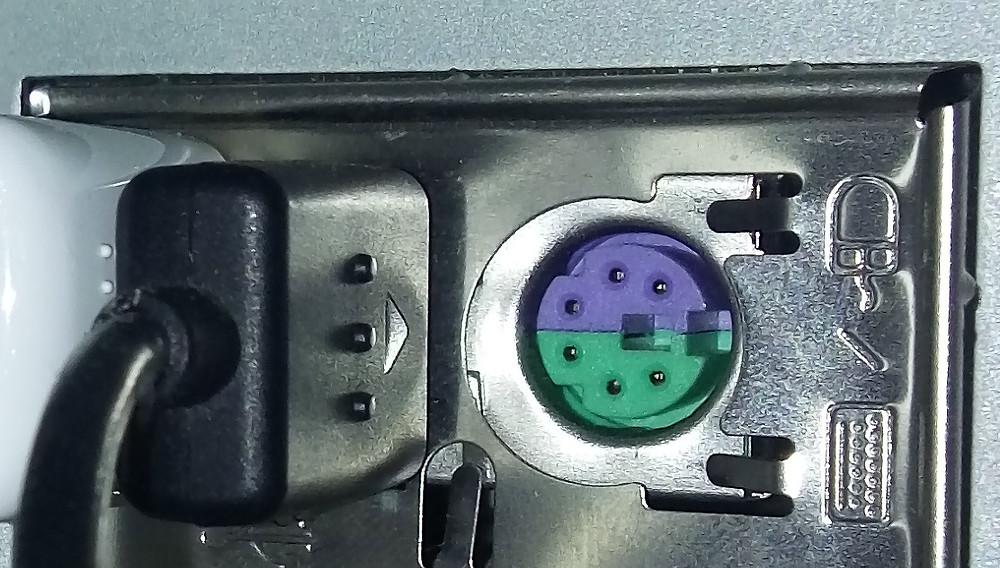 Conector mini-DIN 45322 de interface PS/2