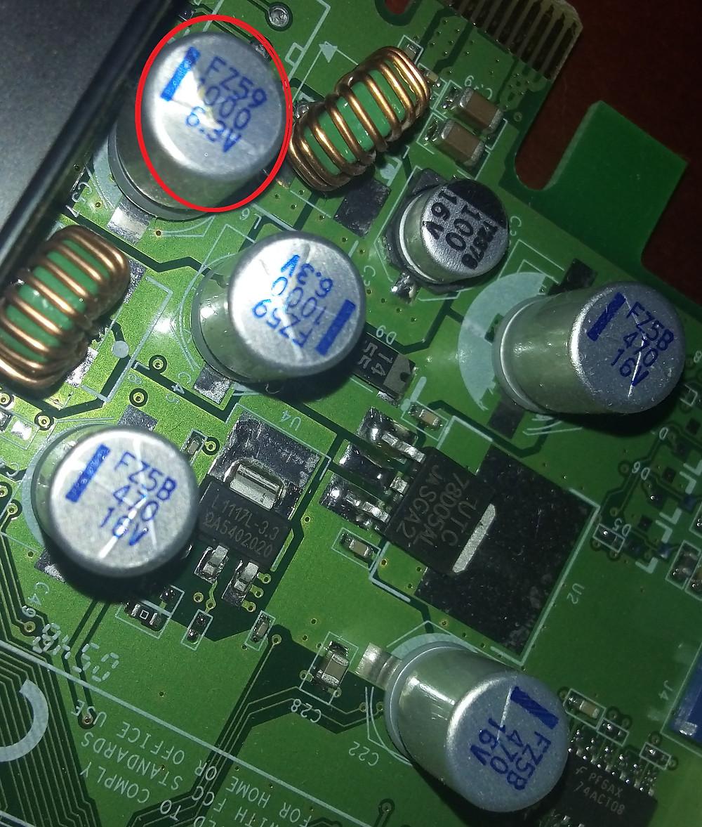 Capacitores eletrolíticos parecidos com os sólidos
