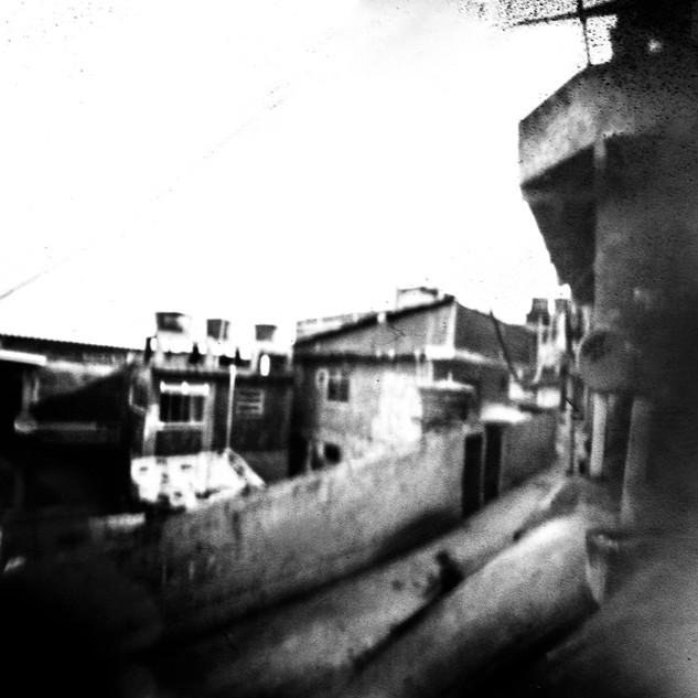 Casa (Babilônia series)   2015  60x40 cm  Pinhole e fotografia digital  Tiragem 5 + 2 PA