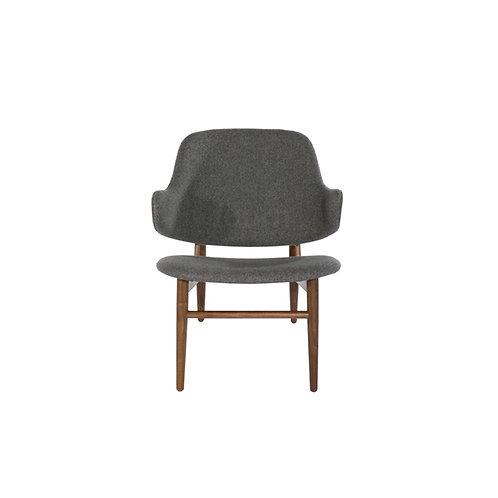 Larsen Easy Lounge Chair