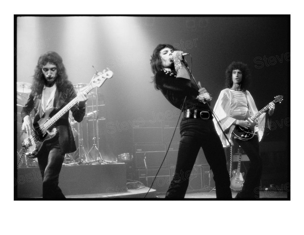 queen band_#1 b&w final mhg