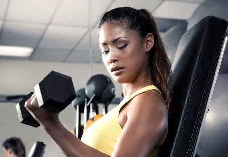 9 Reasons Every Woman Should Lift Weights