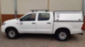 Budget Toyota Hilux D/Cab 2.5L D4D 4 x 4 (Manual Transmission) unequipped
