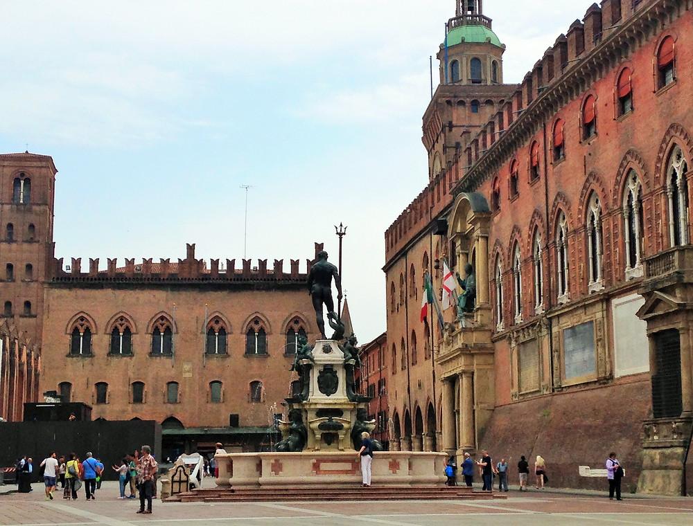 Piazza Nettuno Bologna