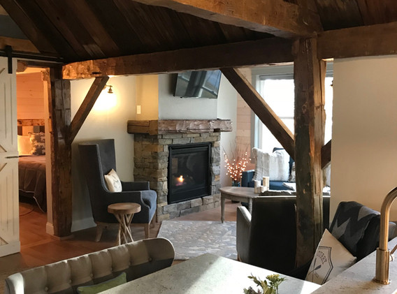Cottage Kitchen into LR.JPG