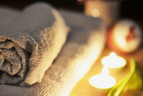 love-romantic-bath-candlelight-3188.jpg