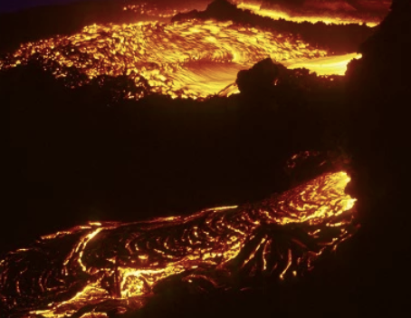 Otro volcán hace erupción, ahora en Italia