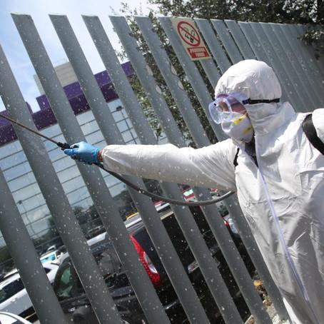 Sanitizan espacios públicos en Guadalupe