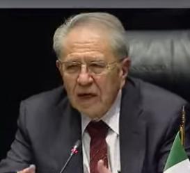 Entre reclamos y defensas comparece Dr. Alcocer, Secretario de Salud Federal