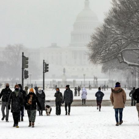 Han cancelado más de 1,300 vuelos en EU por nevada