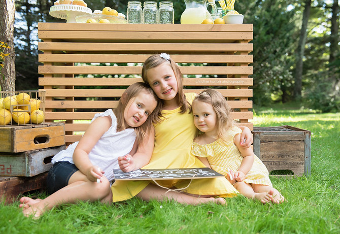 WHEN LIFE GIVES YOU LEMONS - SUMMER MINI SESSION