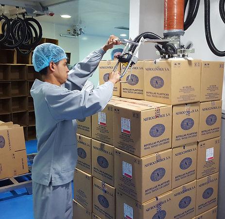 Carton Lifting with Vacuum Lifter UAE KSA