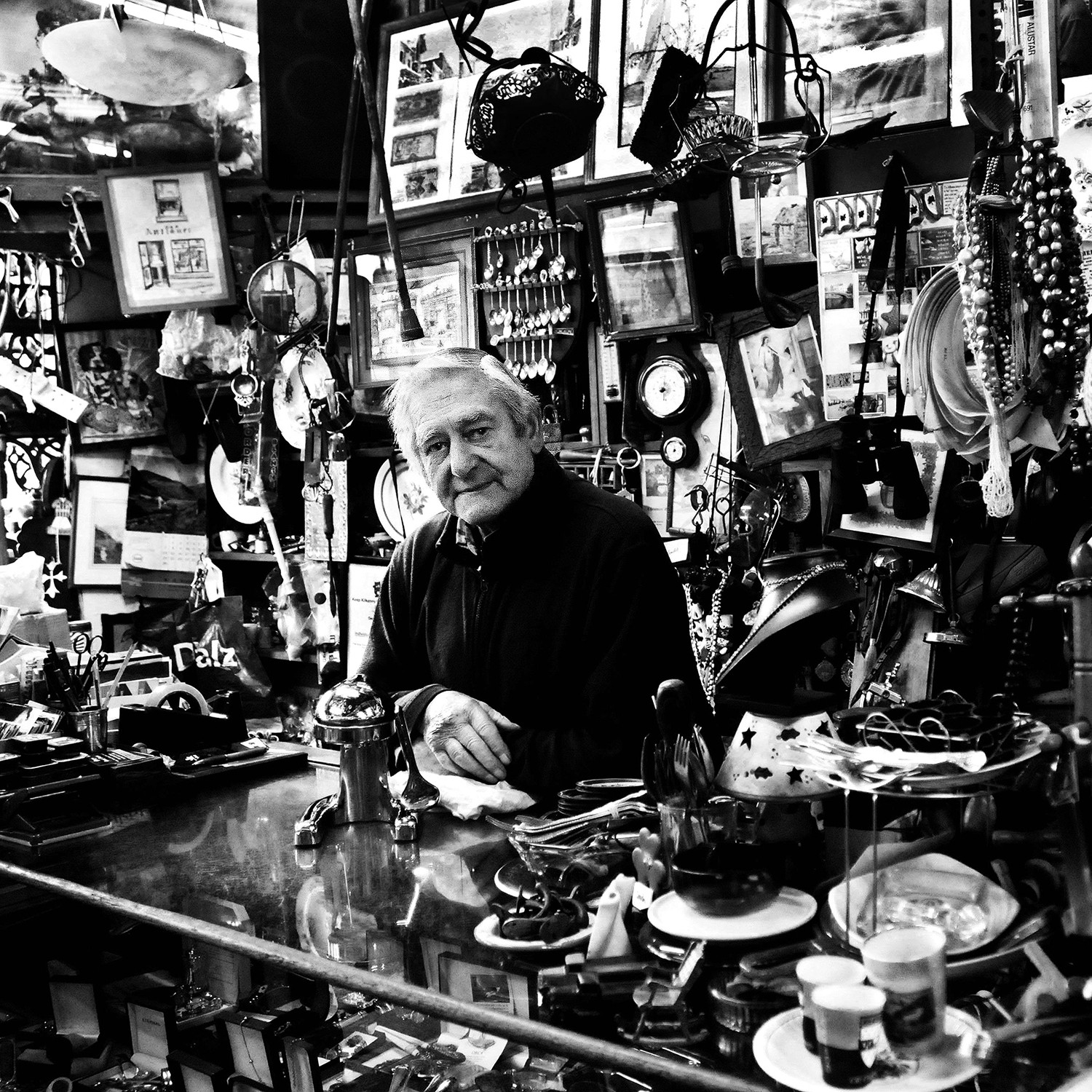 MONO - The Old Curiosity Shop by David Robertson (6 marks)