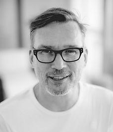 Dirk Meints - Achtsamkeitslehrer und zertifizierter MBSR Trainer Wien - thinkwithyourheart