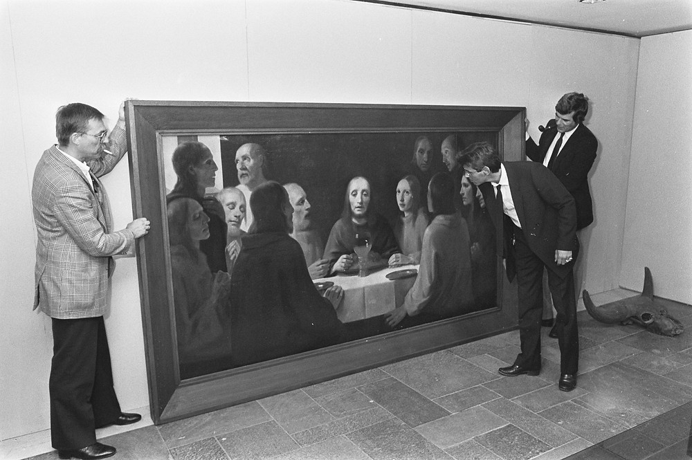 "Painting ""The Last Supper I"" by Han van Meegeren on 11th art and antiques fair in Rotterdam August 31, 1984. - In the summer of 1938, van Meegeren moved to Nice. 1939 he painted ""The Last Supper I"" in the style of Vermeer."