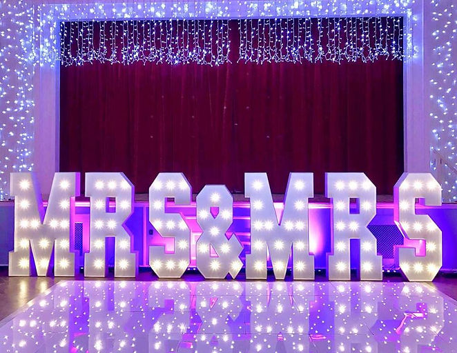 Wedding Mrs & Mrs Letter Hire - County D