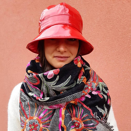 Cappello da pioggia vernice