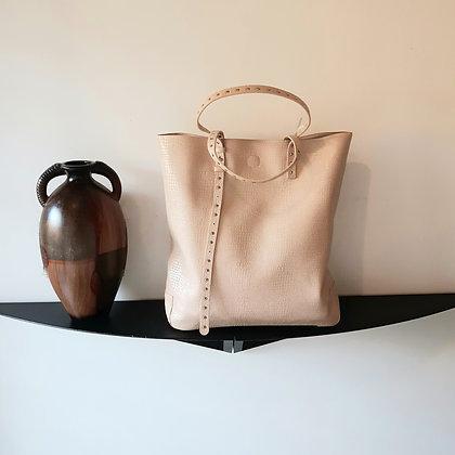 Shopping bag borchiette