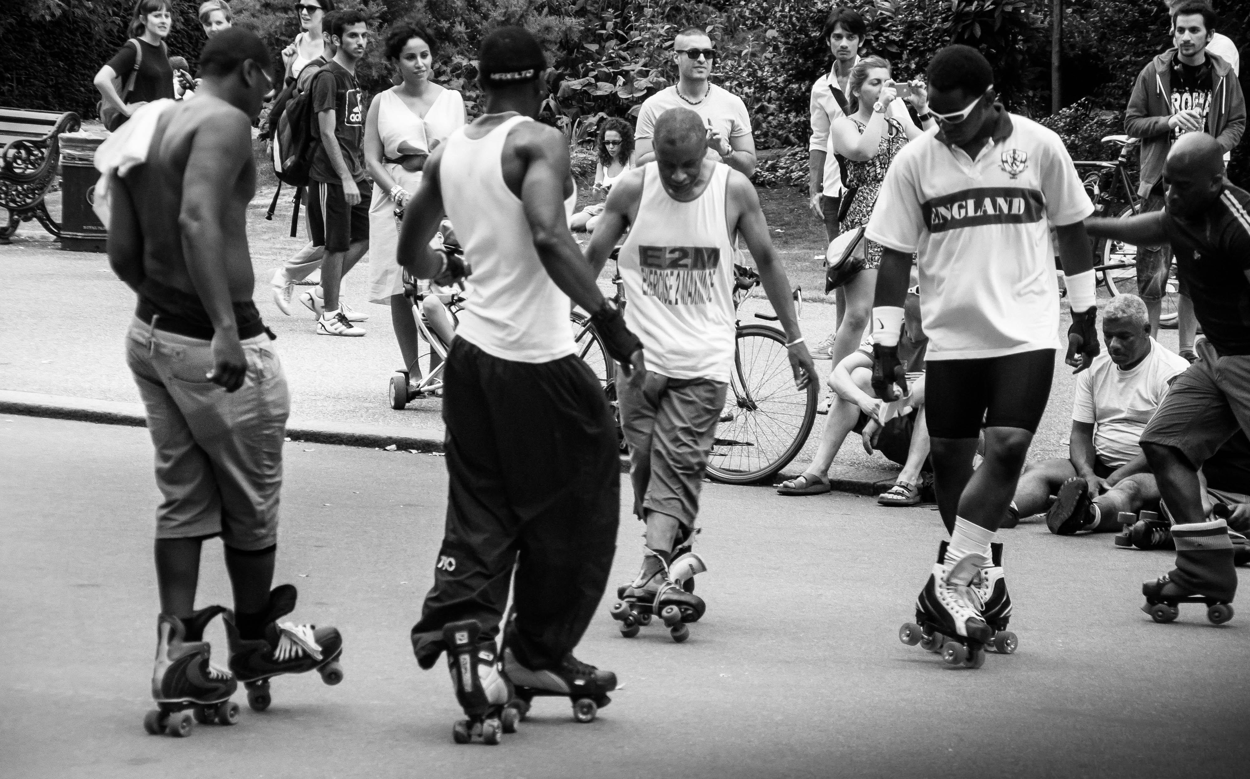 Flickr - Skaters dancing in Hyde Park
