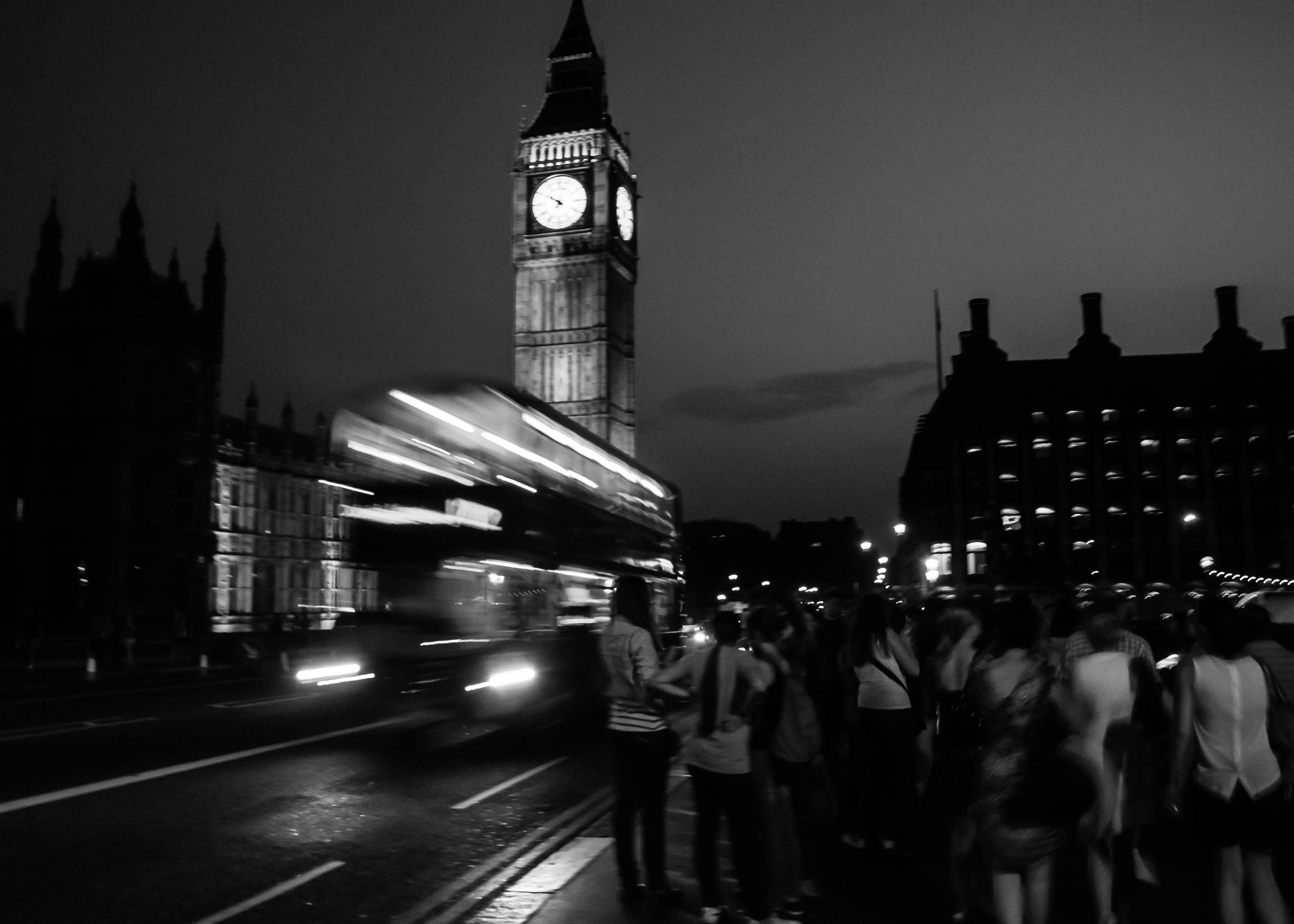Flickr - Random shooting ; Nottetempo bus !