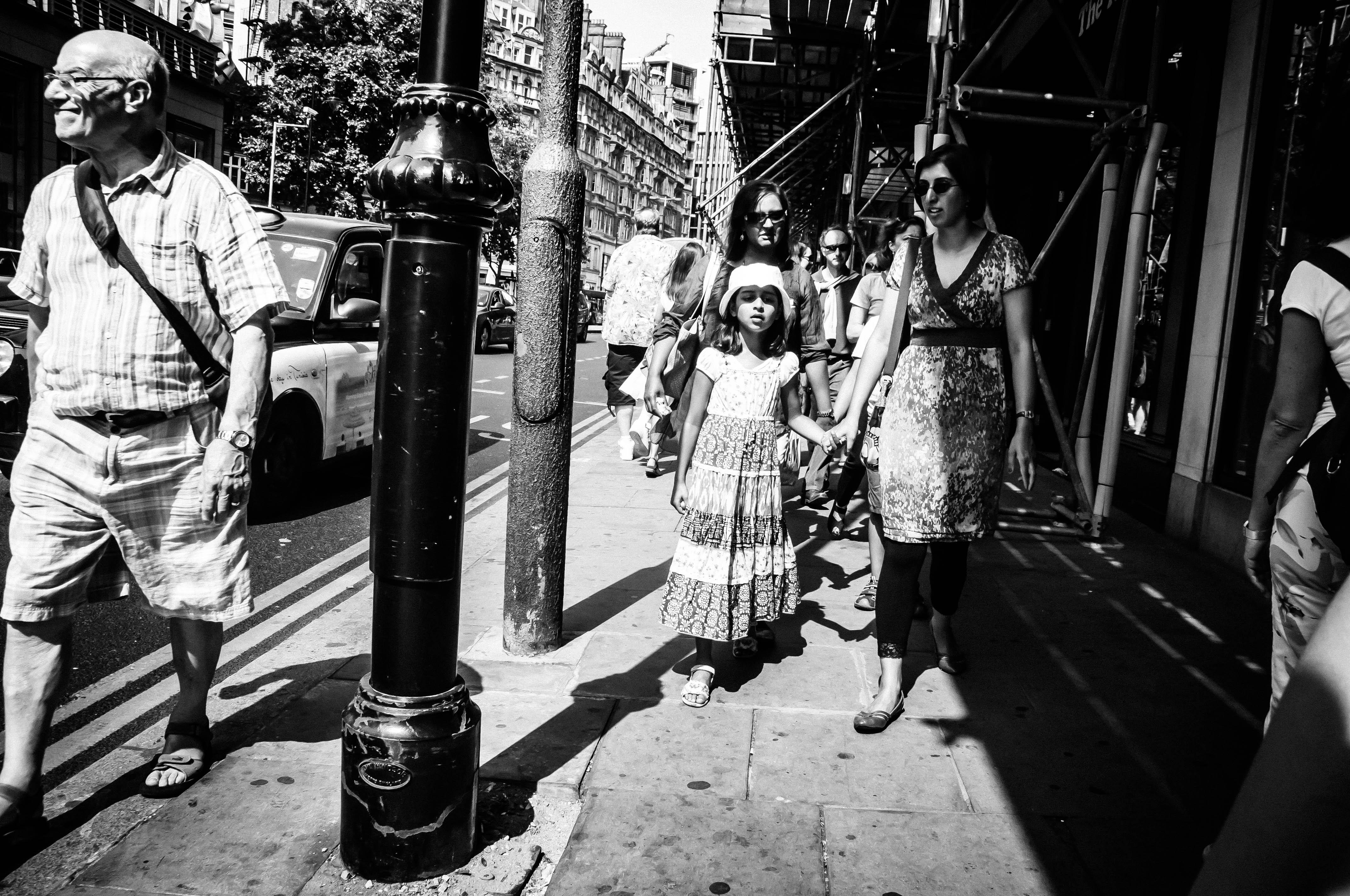 Flickr - Random shooting ; walking