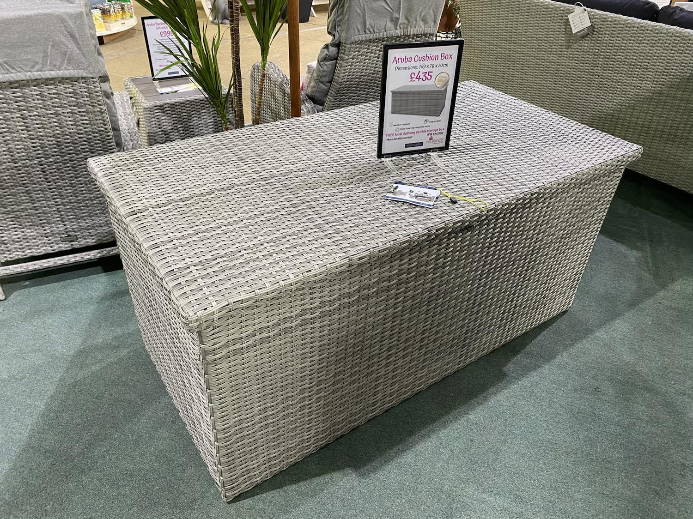 Aruba Cushion Box - £435