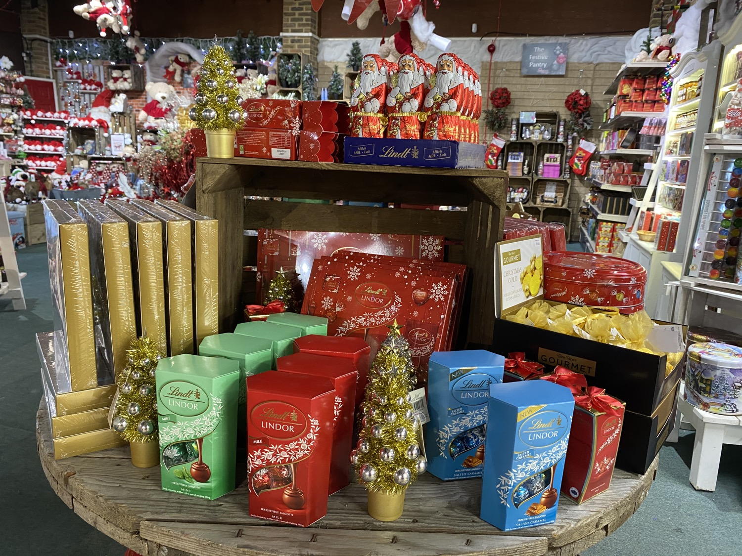 hampers, festive treats, chocolates, drinks