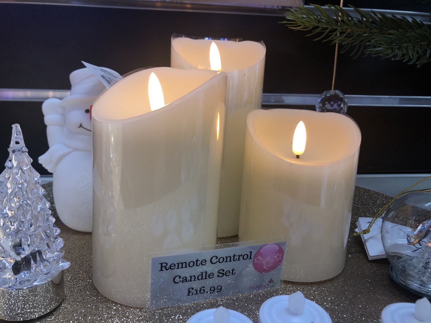 3 Candles Remote Controlled