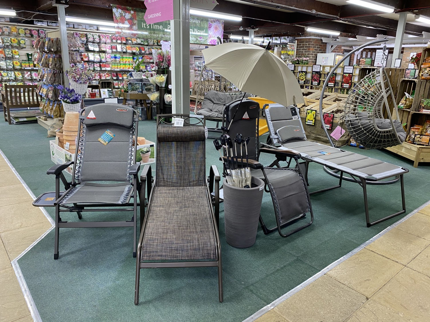 Sunloungers & Recliners