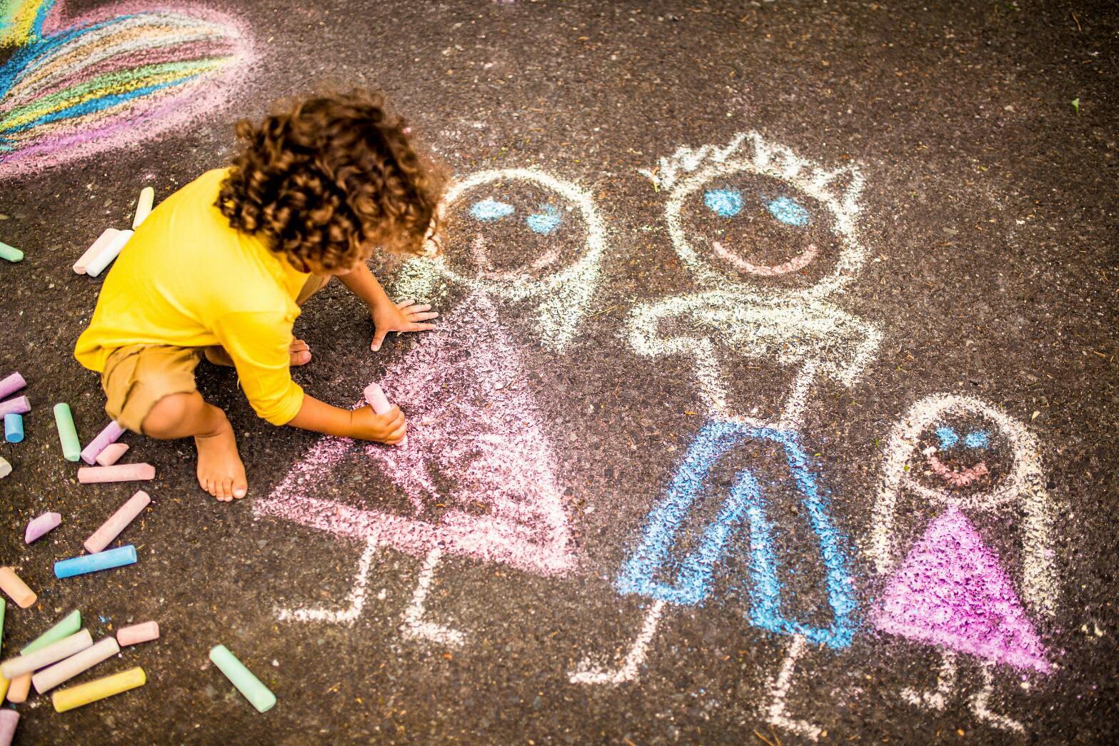 ภาพเด็กวาดรูป