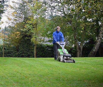 b whiteley landscape gardener leeds