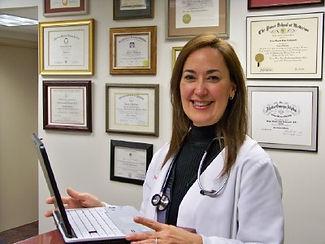 Dr Vivian Lugo – Eschenwald: