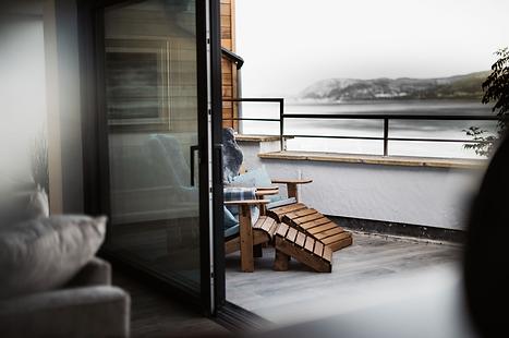 Stanton balcony photo