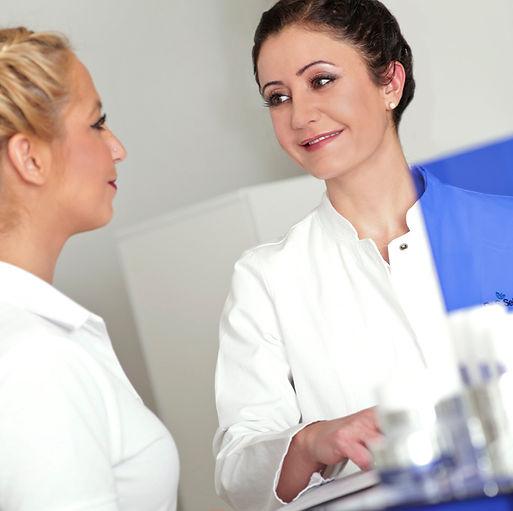 Botox, Hyaluron, Facelift ohne Operation, Lippen aufspritzen, Augenringe und Tränensäcke entfernen, Needling und Fadenlifting Aschaffenburg