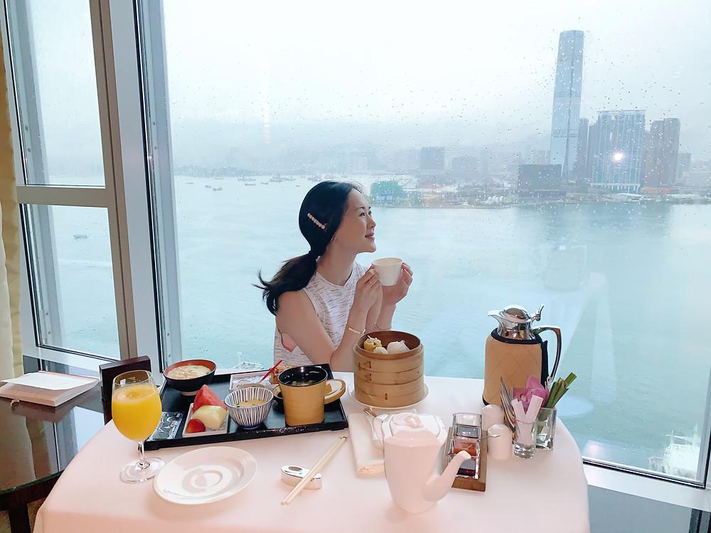Jenni Lien blogger at Four Seasons Hong Kong
