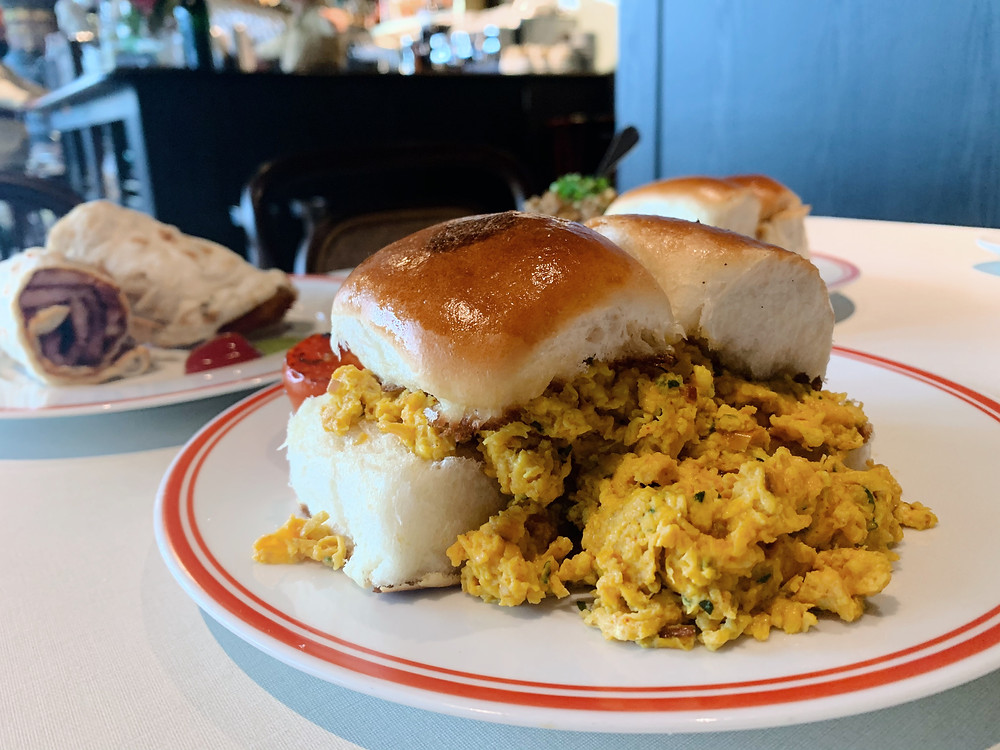 Breakfast at Rajasthan Rifles restaurant in Hong Kong