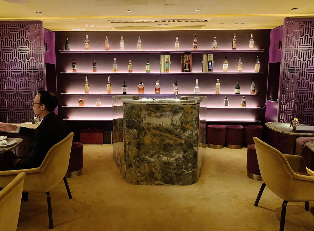 Crown Super Deluxe restaurant in Hong Kong