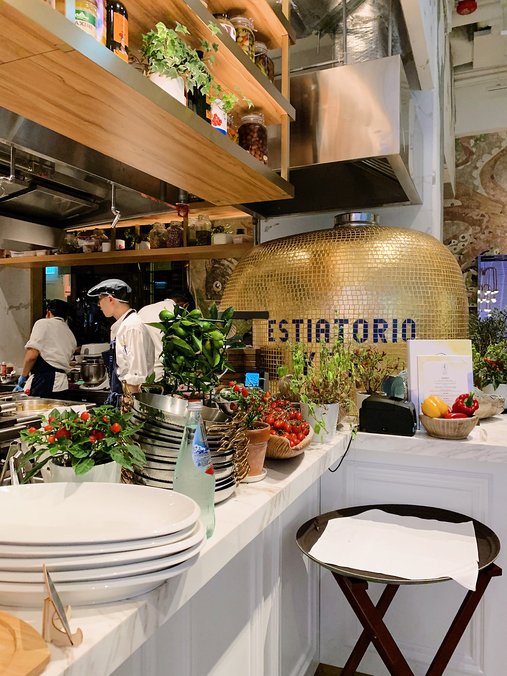Greek restaurant Estiatorio KEIA in Hong Kong