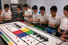 G6 STEM Lessons - Microbit cars are line