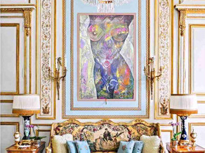 Zlato bílý rokokový salon s energetickým obrazem ženství