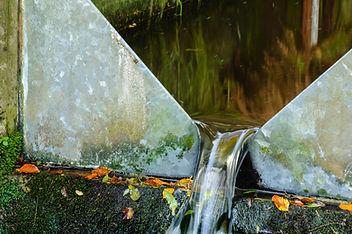 V shaped flow meter for measuring water