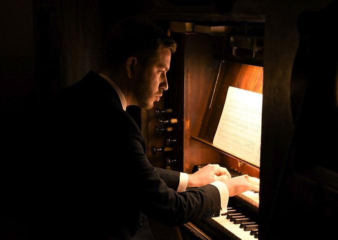 z25994614IBG,Jakub-Stefek-organista-w-ko