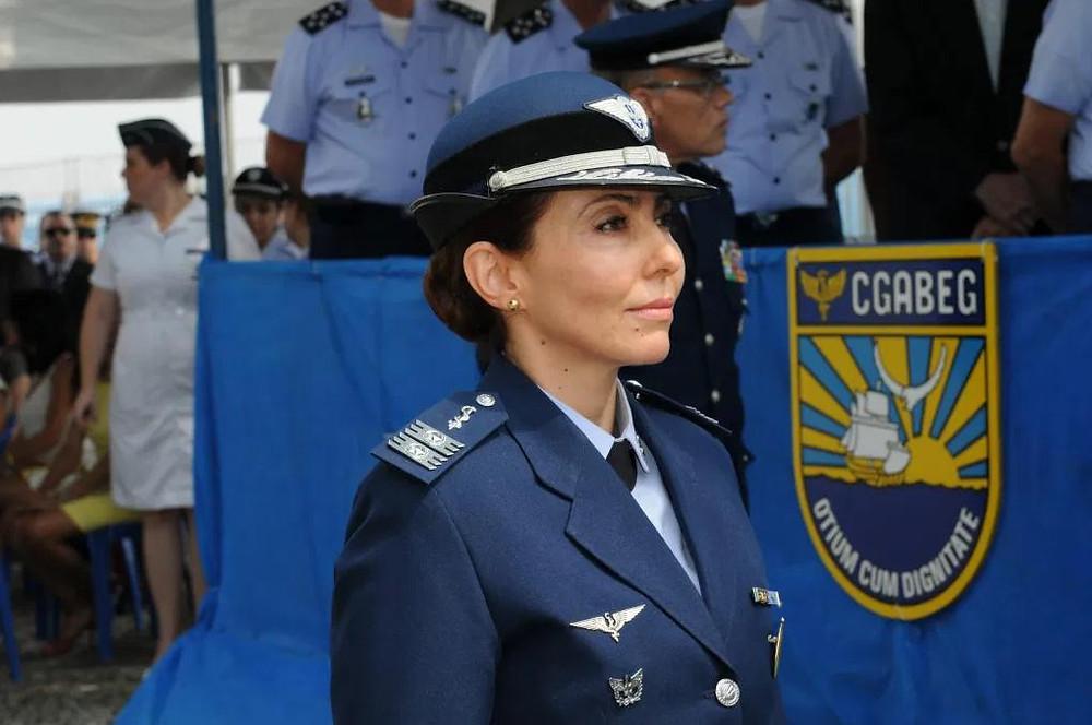 Carla Lyrio Martins ao posto de brigadeiro da Aeronáutica.