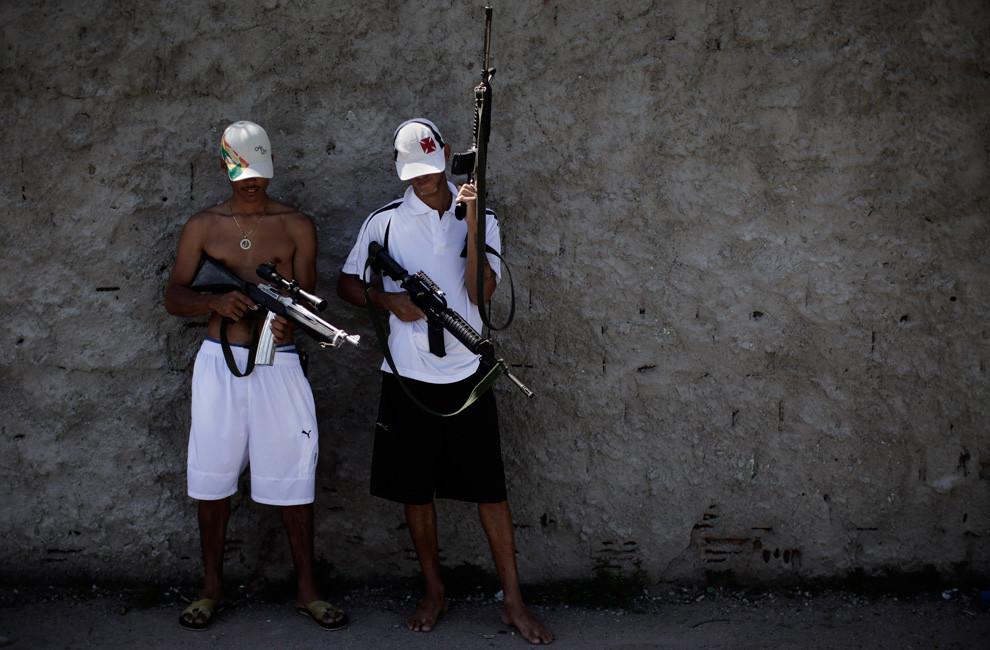STF mantém suspensas ações políciais em favelas no Rio
