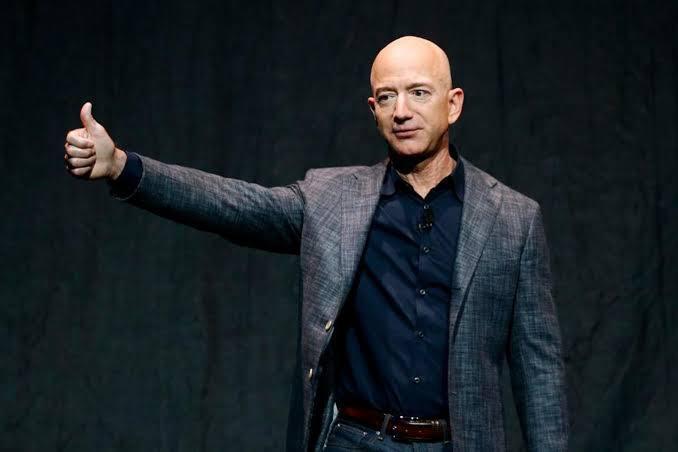 Bezos anuncia que vai abrir pré-escola