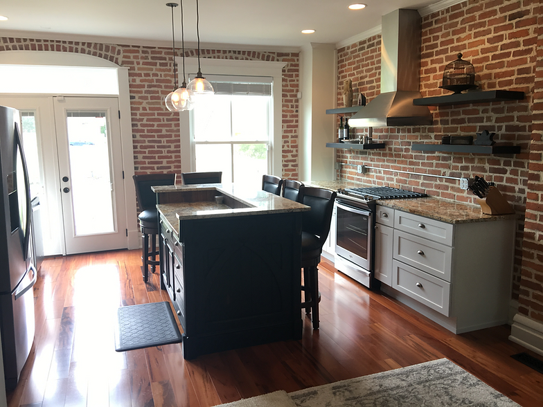 Superbe German Village Custom Island With Stock Perimeter Cabinetry