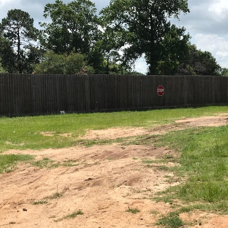 Privacy fence arena