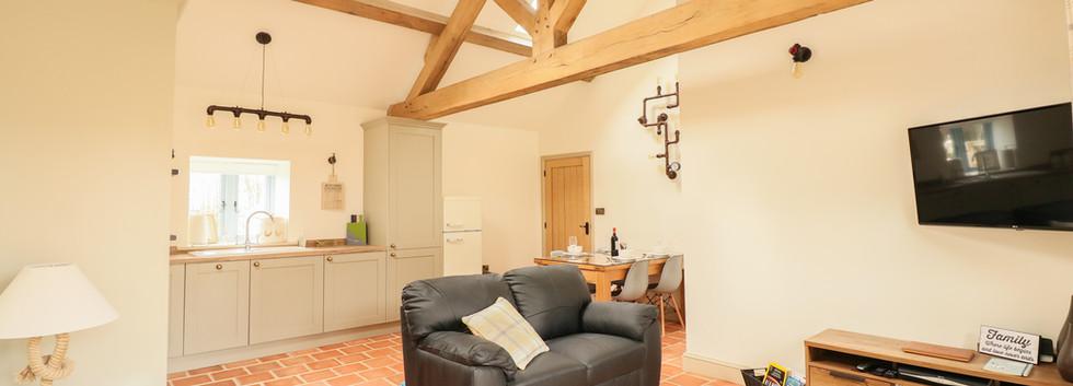 Open Plan living room - Oak Tree Cottages - Oak Tree Cottage
