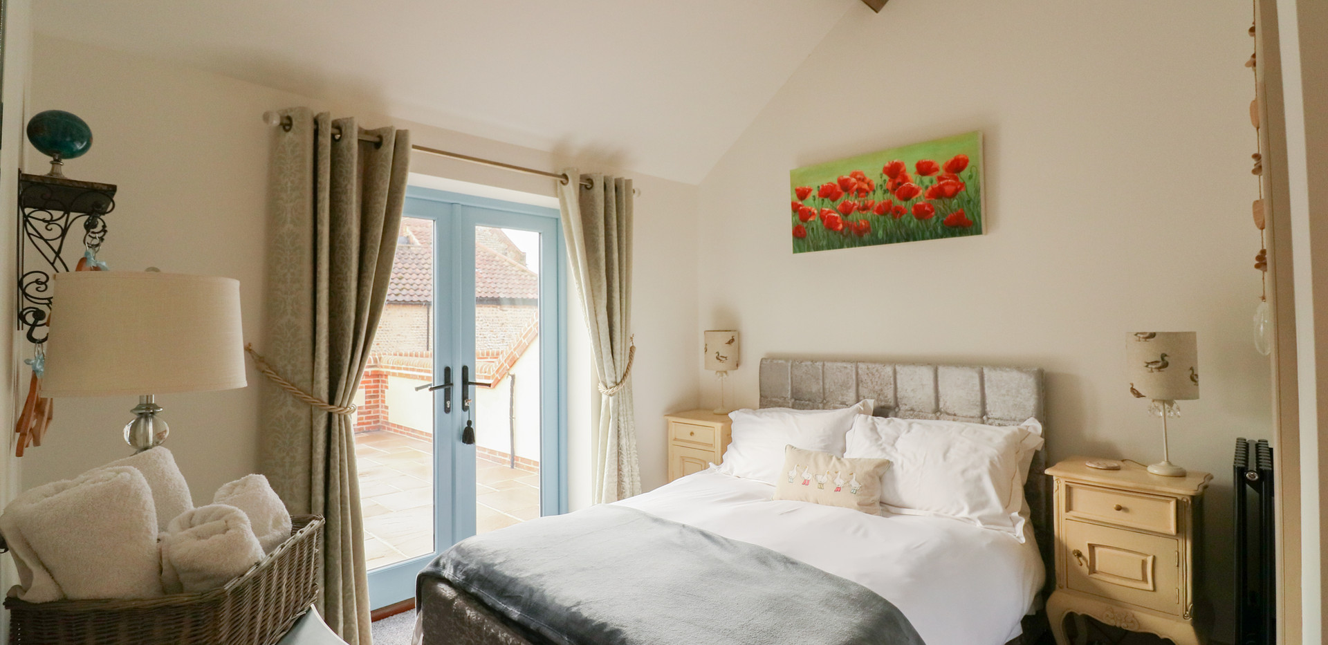 Double Bedroom  - Oak Tree Cottages - Lighthouse Cottage